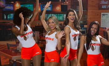 Free $15 Voucher for Hooters Mobile App Order
